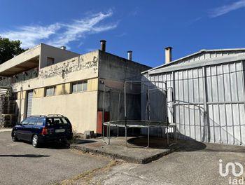 parking à Vinon-sur-Verdon (83)