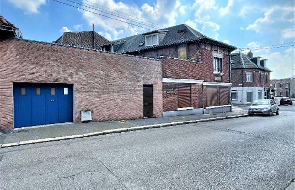Vente maison 6 pièces 137 m² à Saint-Quentin (02100), 129 900 €