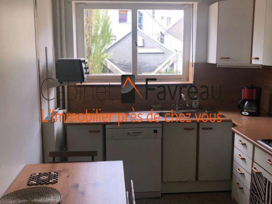 Location studio meublé 11 m2