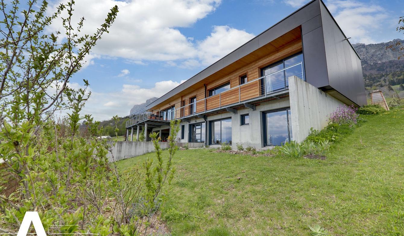 Maison contemporaine avec jardin et terrasse Grenoble