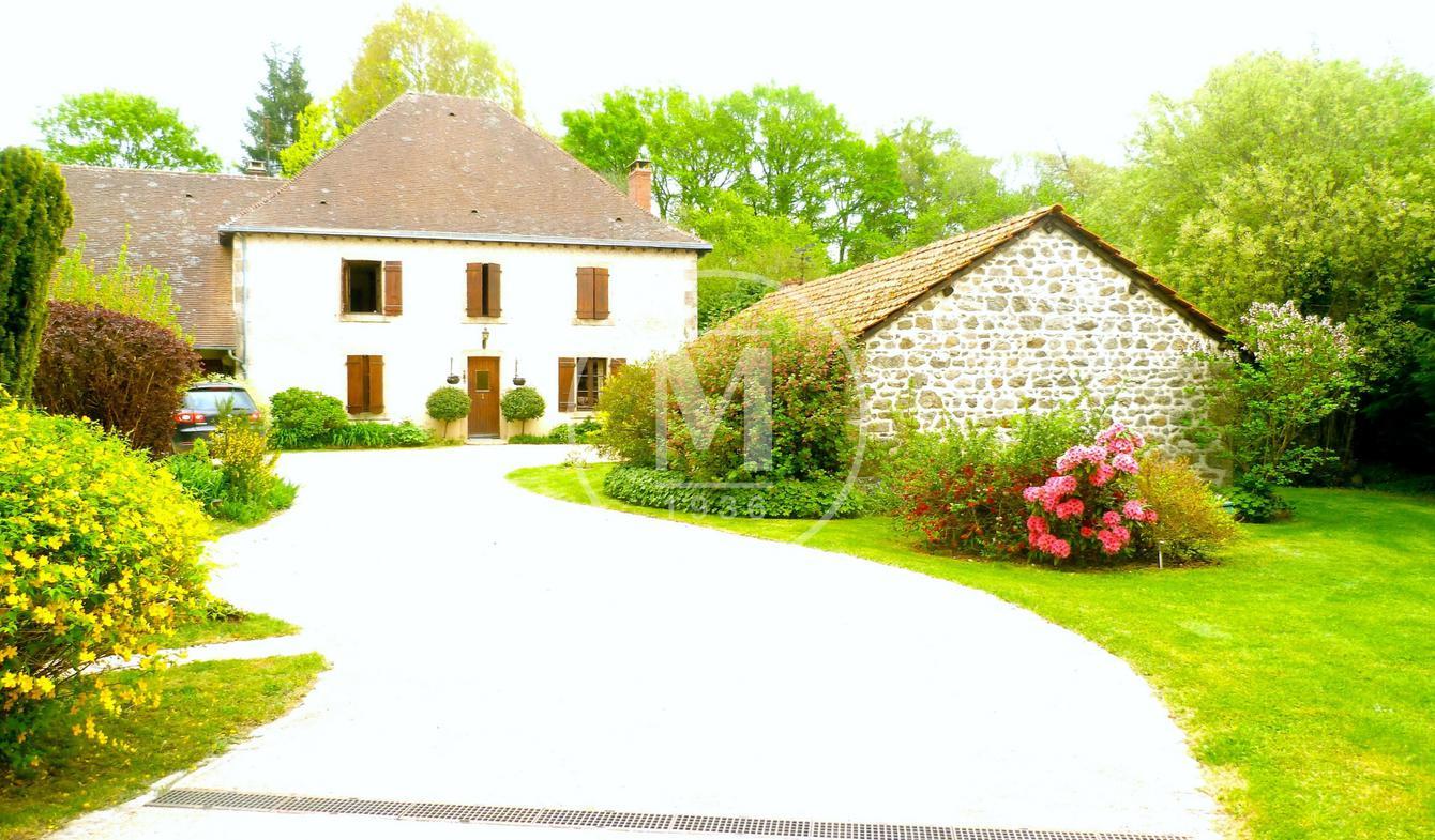 Maison avec piscine et terrasse Gueret