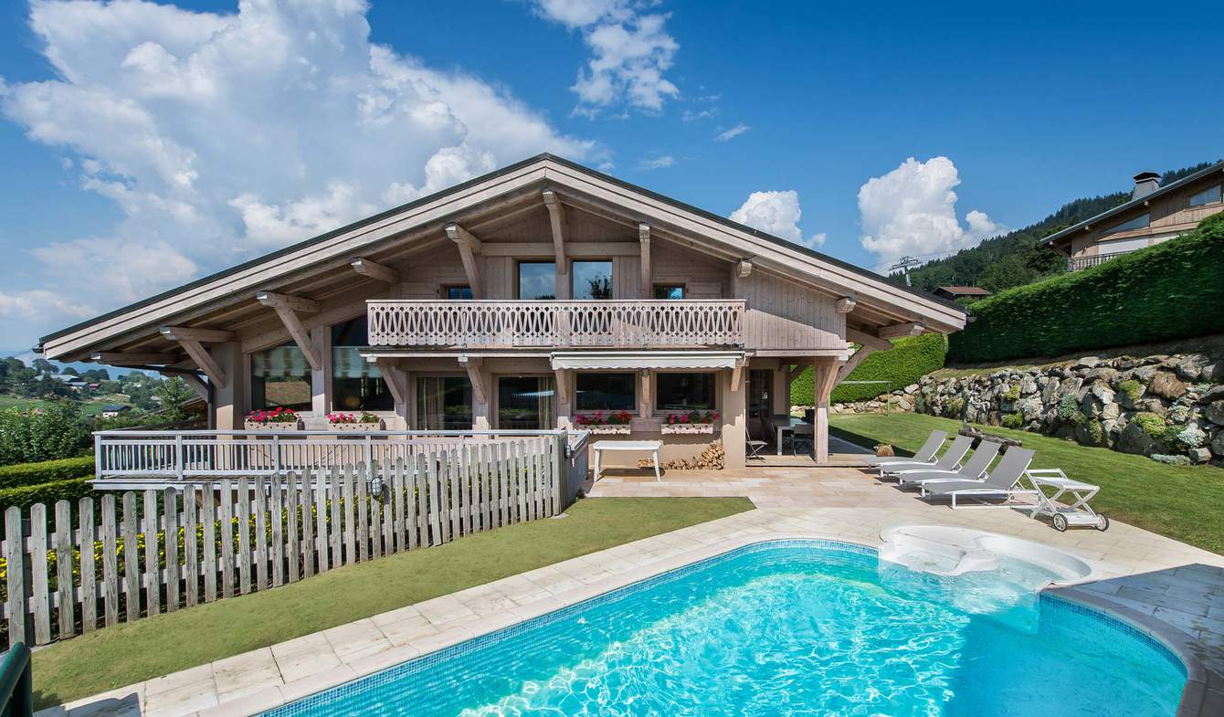 Chalet with pool Megeve