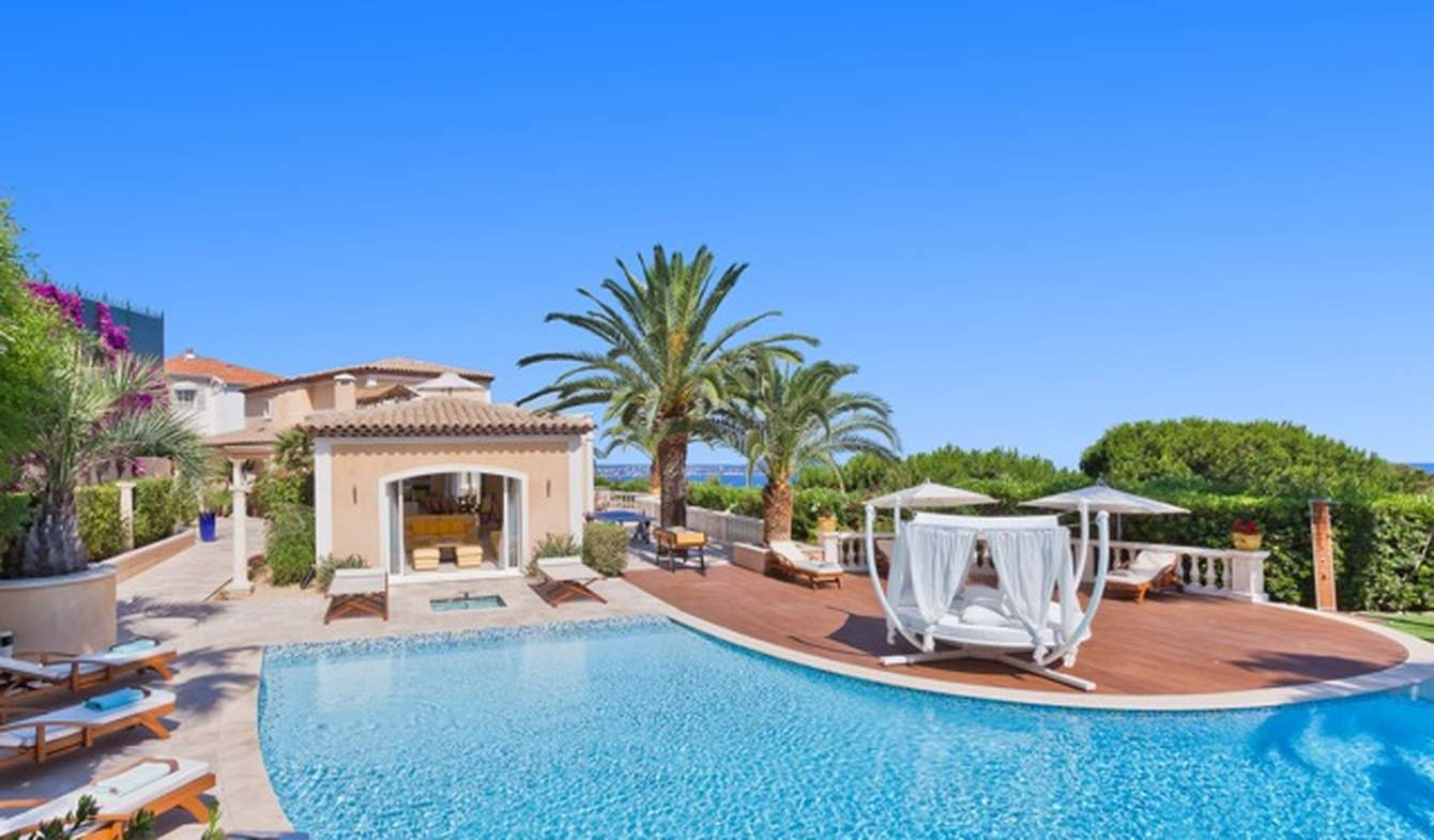 Villa with pool and garden Vallauris
