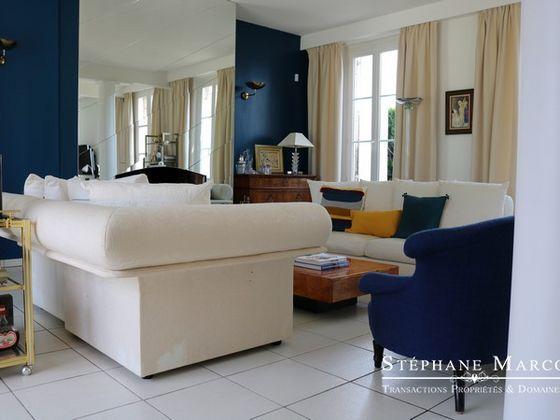 Vente hôtel particulier 8 pièces 326 m2