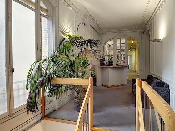 Vente duplex 22 pièces 610 m2
