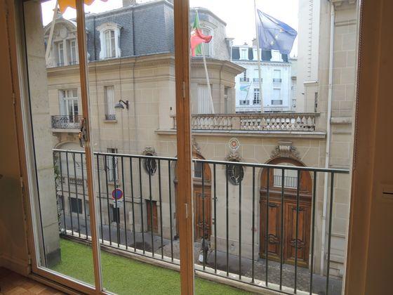 Location appartement meublé 4 pièces 87 m2