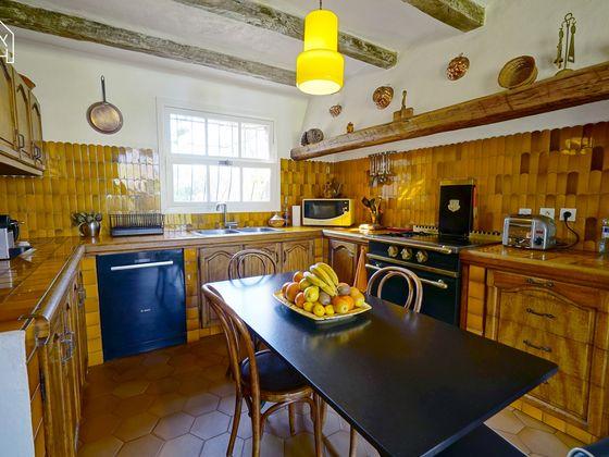 Vente propriété 8 pièces 170 m2