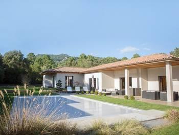 Villa 11 pièces 295 m2