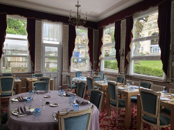 Vente hôtel 30 pièces 1000 m2