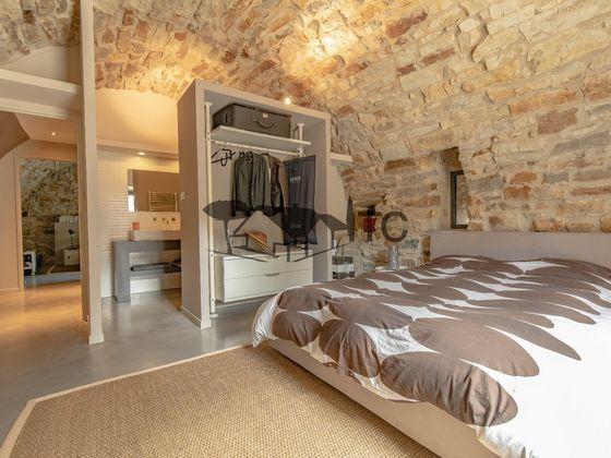 Vente propriété 7 pièces 319 m2