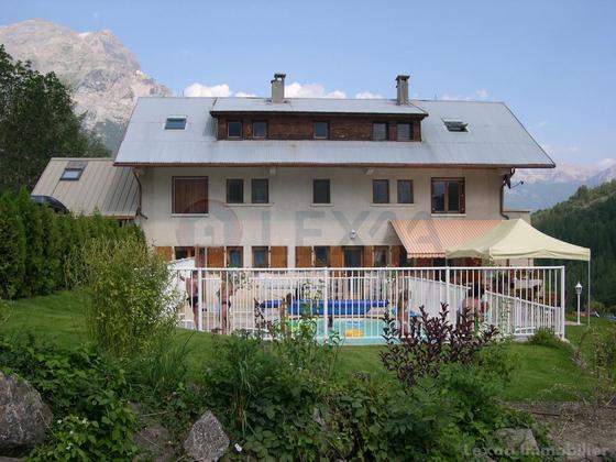 Maisons vendre ailefroide entre particuliers et agences for Piscine 05120