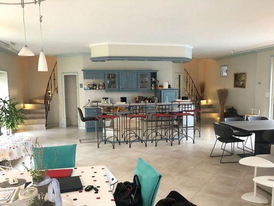Vente maison 10 pièces 313 m2