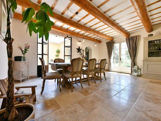 Vente propriété 210 m2