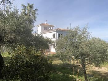 Villa 443 m2