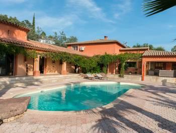 Villa 7 pièces 335 m2