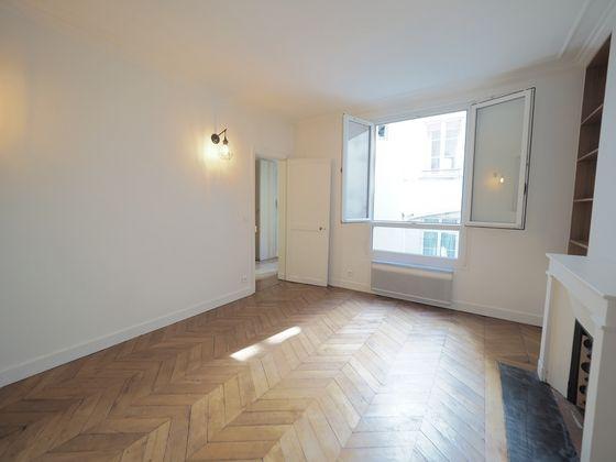 Location appartement meublé 2 pièces 43,51 m2 à Paris 1er