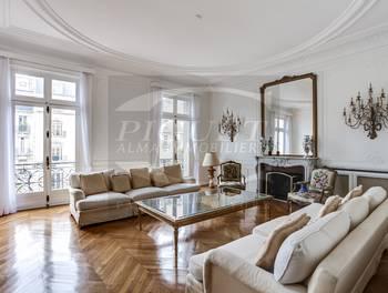 Appartement meublé 6 pièces 200 m2