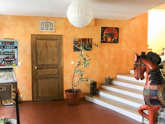 Vente propriété 7 pièces 246 m2