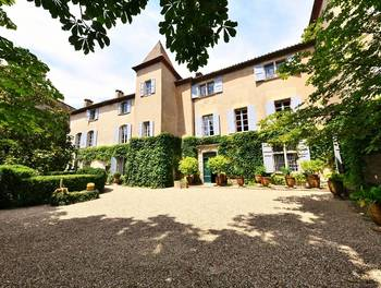 Château 740 m2