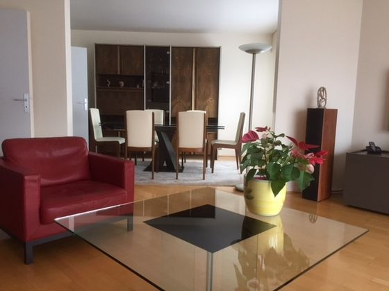 Courbevoie, Appartement