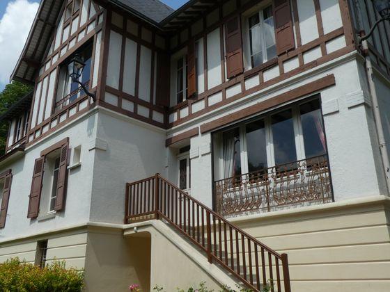 Vente propriété 8 pièces 310 m2