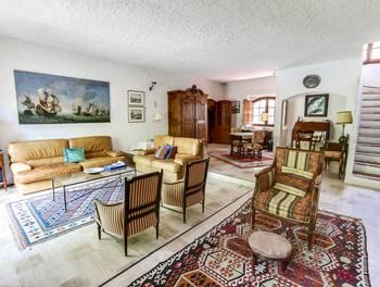 Maison 7 pièces 260 m2