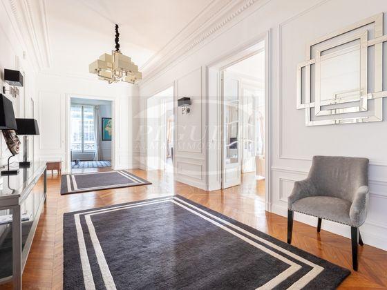 Location appartement meublé 7 pièces 350 m2