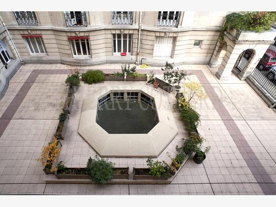 Location appartement 5 pièces 141 m2