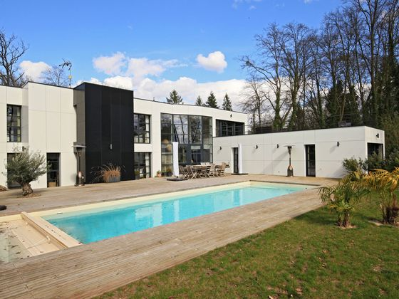 Vente de maisons lamorlaye 60 maison vendre for Piscine chantilly